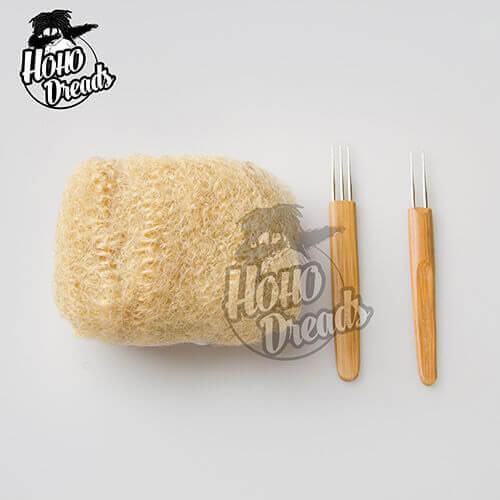 afro kinky bulk hair #27 light brown with two crochet hooks